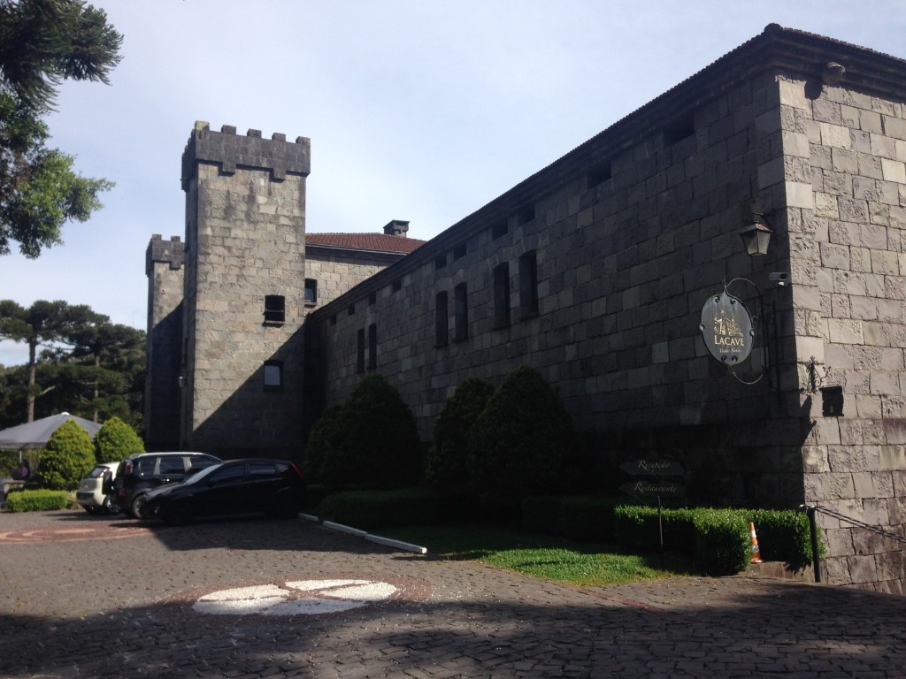 entrada chateau lacave vinhobasico